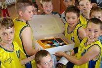 Domácí vítězové turnaje v minibasketbale v Přerově.