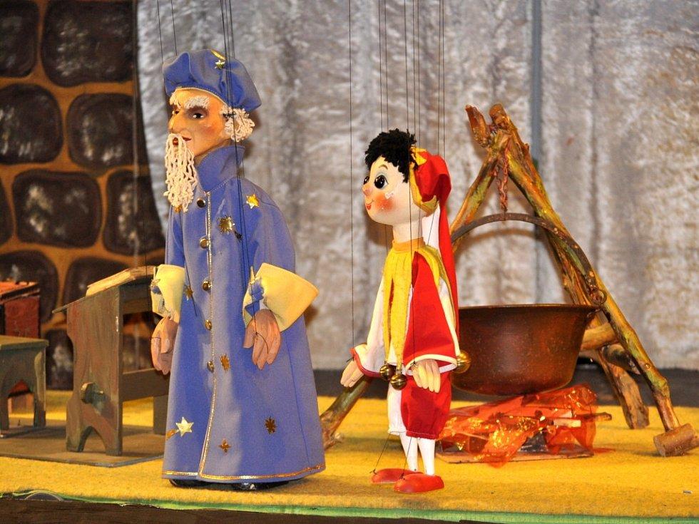 Celostátní přehlídka sokolských loutkových divadel začala v pátek v Přerově Dnem otevřených dveří.