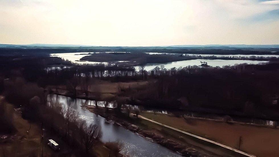 Soutok Moravy a Bečvy v Tovačově a tovačovská jezera