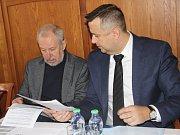 Město Přerov podepsalo se zástupci společnosti Veolia memorandum, kterým se zavazují na společném postupu nakládání se směsným komunálním odpadem. Veolia a město Přerov chtějí společně vybudovat zařízení pro energetické využití odpadů.