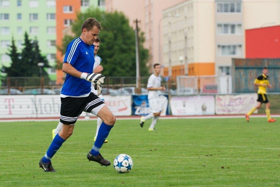 Fotbalisté Přerova (v bílém) proti Novým Sadům.