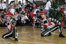 Zářivými kostýmy a nápaditými choreografiemi ožila v sobotu přerovská sokolovna, kde se konal tradiční taneční maraton Dance Evolution.