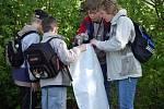 Do úklidu přírody se pustili včera přerovští školáci, kteří se zúčastnili akce Ukliďme si svět.