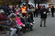 Na náměstí TGM v Lipníku nad Bečvou na příjezd prezidenta už lidé čekali v 15 hodin.