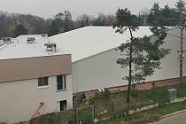 Nová tenisová hala v Přerově s přístavbou budovy se zázemím.
