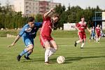 Fotbalisté Přerova (v modrém) v přípravném utkání s SK Lipová (3:4).