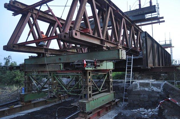 Výměna mostů v Dluhonské ulici v Přerově