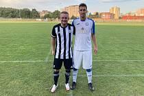 David Chuda v dresu Holešova (vlevo) s kamarádem Michalem Zimčíkem z přerovské Viktorie.