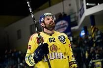 Hokejisté Přerova (ve žlutém) doma zdemolovali Kladno 6:2. Jiří Krisl se loučí s přerovskými fanoušky.