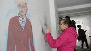 Atmosféru prvorepublikového Přerova se snažili přenést na zeď v průčelí domu ve Wilsonově ulici studenti zdejšího Gymnázia Jakuba Škody.