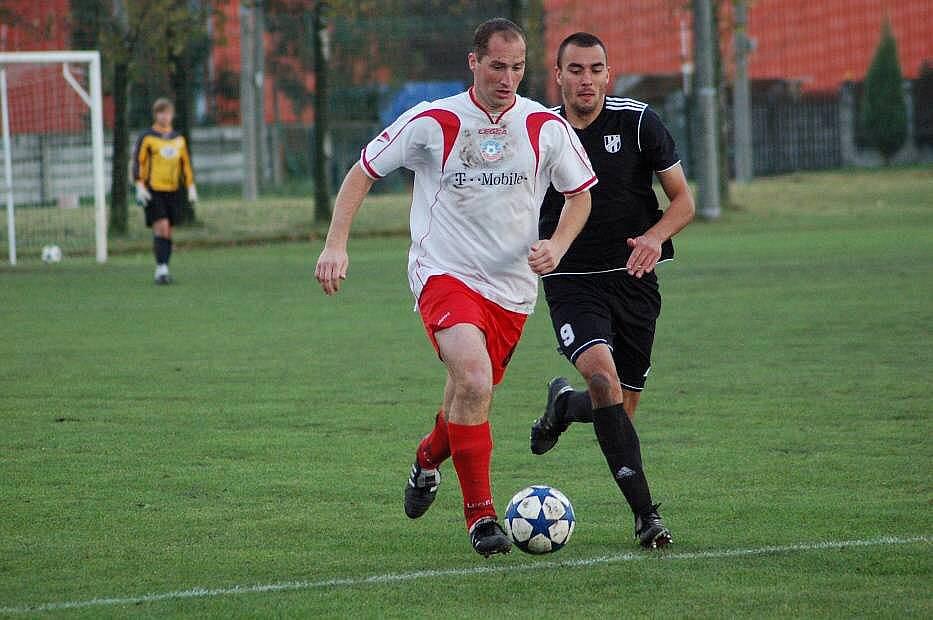 Želatovice (v bíločervené) proti rezervě HFK Olomouc