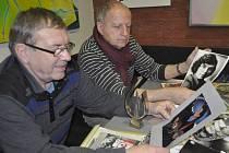 V Galerii města Přerova se chystá zajímavá výstava k nedožitým sedmdesátým narozeninám zpěváka Pavla Nováka. Velkou část fotografií a dobových věcí na ni zapůjčili členové legendární přerovské skupiny VOX. (na snímku)