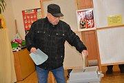 Prezidentské volby 2018 - první kolo. Takto se volilo v okrscích v budově  Základní školy Trávník, na Střední škole gastronomie a služeb a v budově Vysoké školy logistiky v Přerově.