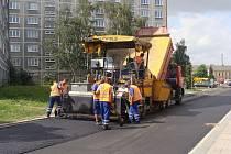 V Přerově v těchto dnech probíhá frézování několika ulic. Práce vypukly v Kramářově a Wurmově ulici