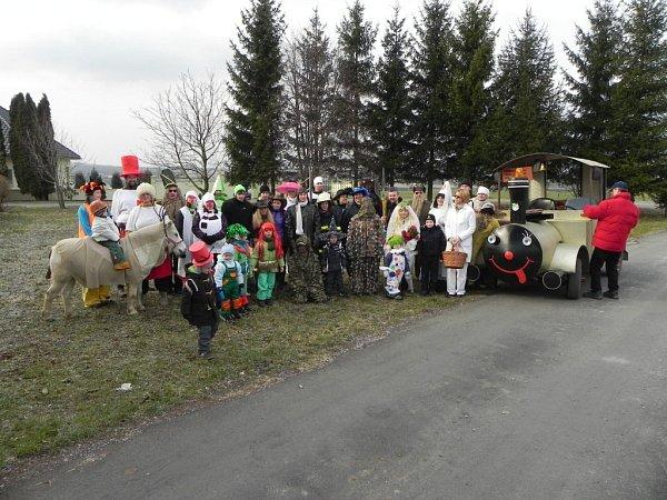 Vodění medvěda a pochování basy vTučíně