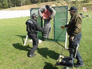 Městští strážníci se utkali ve střelecké soutěži
