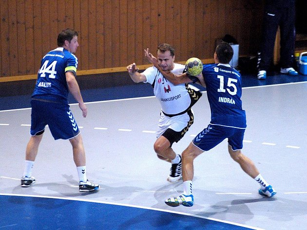 TJ Cement Hranice (v modrém) versus Sokol HC Přerov
