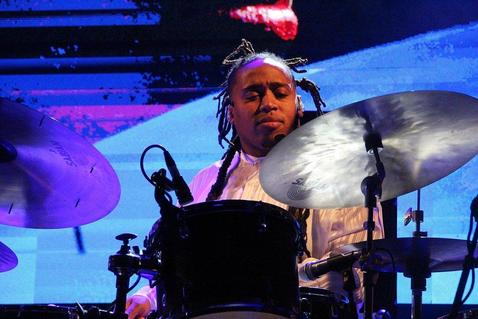 O závěr jazzového festivalu v Přerově se v sobotu postaral zpívající bubeník Jamison Ross.