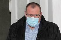 Přerovský politik Marek Dostál u Okresního soudu v Přerově, 26. listopadu 2020