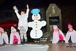 V Brodku u Přerova rozsvítili vánoční stromek