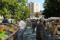 Vizualizace toho, jak by mohla vypadat tržnice u Prioru po rozšíření prodejních míst - obrázek v létě. Městské trhy v Přerově na náměstí T. G. Masaryka v Přerově
