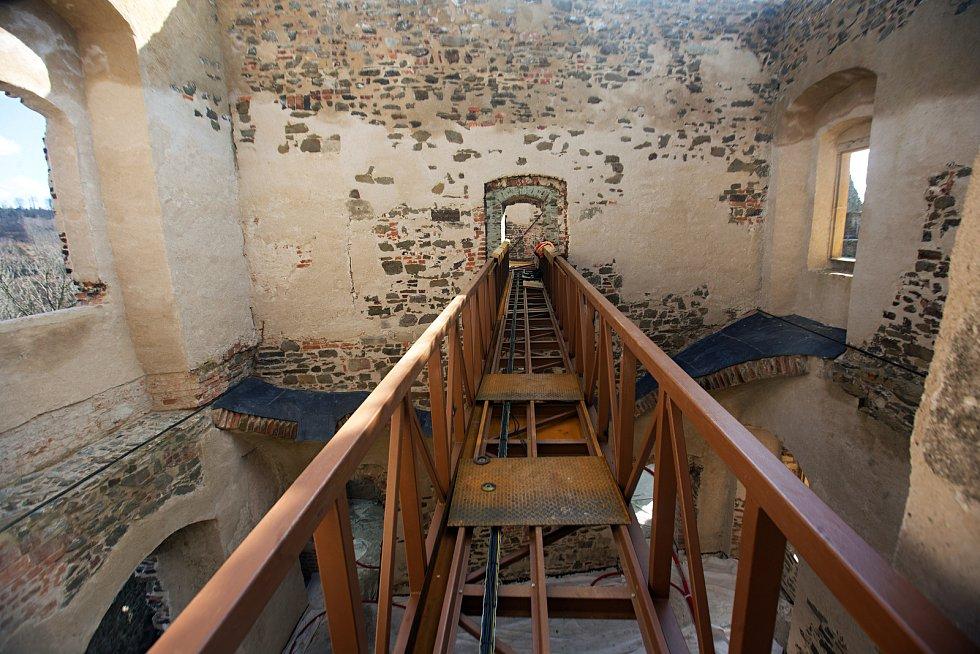 Rekonstrukce na hradě Helfštýn