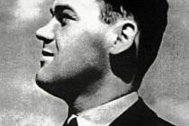 Válečný hrdina a člen bombardovací perutě RAF Josef Ocelka zahynul před sedmdesáti lety při tragické havárii na letišti Brize Norton v Anglii