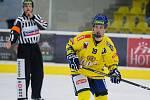 Hokejisté Přerova (ve žlutém) sestřelili Kadaň 8:2. Jan Mlčák. Foto: Deník/Jan Pořízek