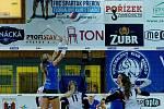 Volejbalistky Přerova (v modré) proti Fénixu Brno.