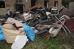 Říjen 2017. Vyklízení odpadu před poslední fází bourání Škodovy ulice v Přerově
