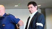 Pavel Nárožný, obžalovaný z přípravy vraždy své tety, u krajského soudu v Olomouci