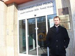 Nástupce soudního exekutora Tomáše Vrány Lukáš Jícha řeší v Přerově ožehavou situaci.