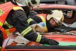 Klání ve vyprošťování z havarovaných aut v Přerově