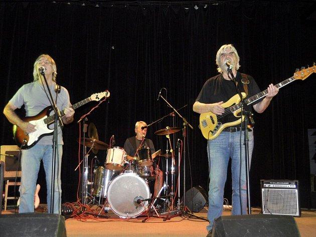 Koncert kapely Progres 2 v přerovském klubu Teplo