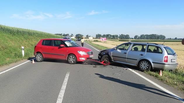 Nehoda na silnici mezi Obědkovicemi a Polkovicemi.