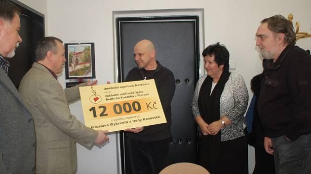 Výtěžek ze svého koncertu věnoval známý přerovský hudebník Jaroslav Wykrent na činnost Základní umělecké školy B. Kozánka v Přerově