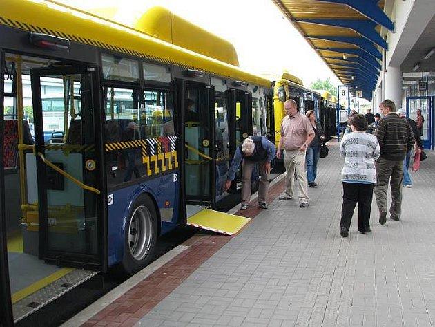 Předání nových autobusů MHD v Přerově