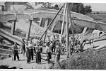Zničený obloukový most Němci dne 7. května 1945 ve 3 hodiny vnoci.