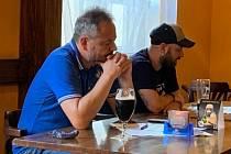 Beseda ke startu nové sezony přerovských hokejistů - zúčastnili Tomáš Pluháček a Pavel Hanák
