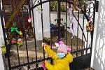 Velikonoční výzdoba v Lověšicích u Přerova, březen 2021