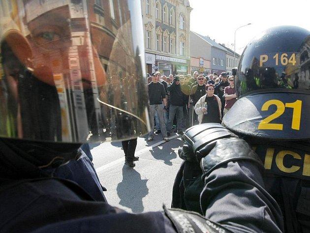 Pochod radikálů v Přerově v dubnu 2009. Ilustrační foto