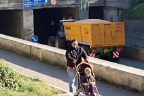 Nákladních vozidla musí převážet sypký náklad pod plachtou