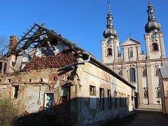 Při požáru objektu v centru Kojetína se zranili dva bezdomovci, kteří v opuštěné budově přebývali.