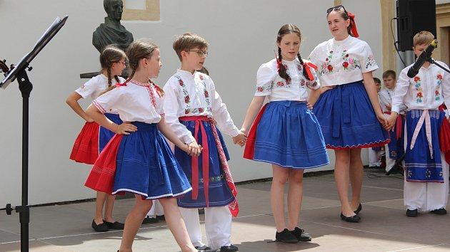 12. ročník folklorního festivalu V zámku a podzámčí