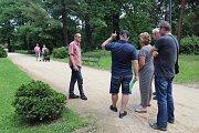 Odborníci z firmy Zahradní architektura Tábor budou v této části přerovského parku Michalov testovat výměnu pískových cest