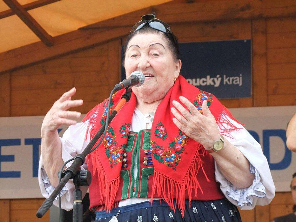 Jarmila Šuláková se skupinou Fleret v Kojetíně