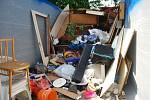 V přerovské ubytovně pro bezdomovce se objevily štěnice a její obyvatelé musejí veškeré vybavení naházet do přistaveného kontejneru