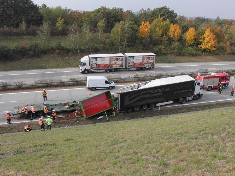 Střet dvou kamionů u Lipníku