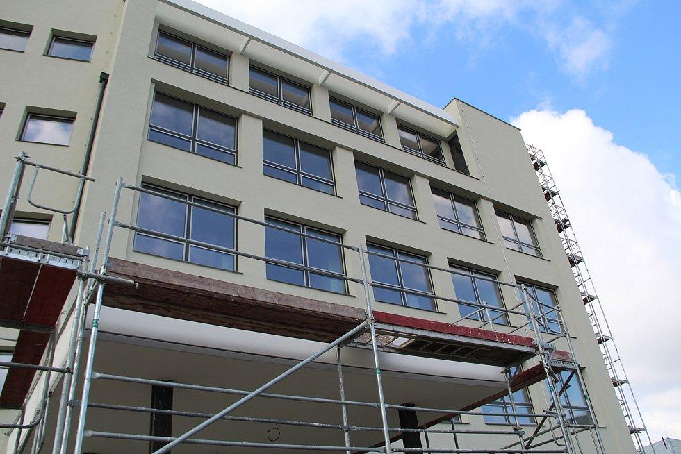 Oprava budovy zdravotnické školy na náměstí Přerovského povstání