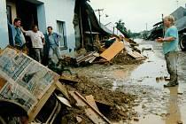 Ulice Loučka III v Troubkách v červenci 1997